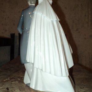 "Nao Porcelain ""Unforgettable Dance"""